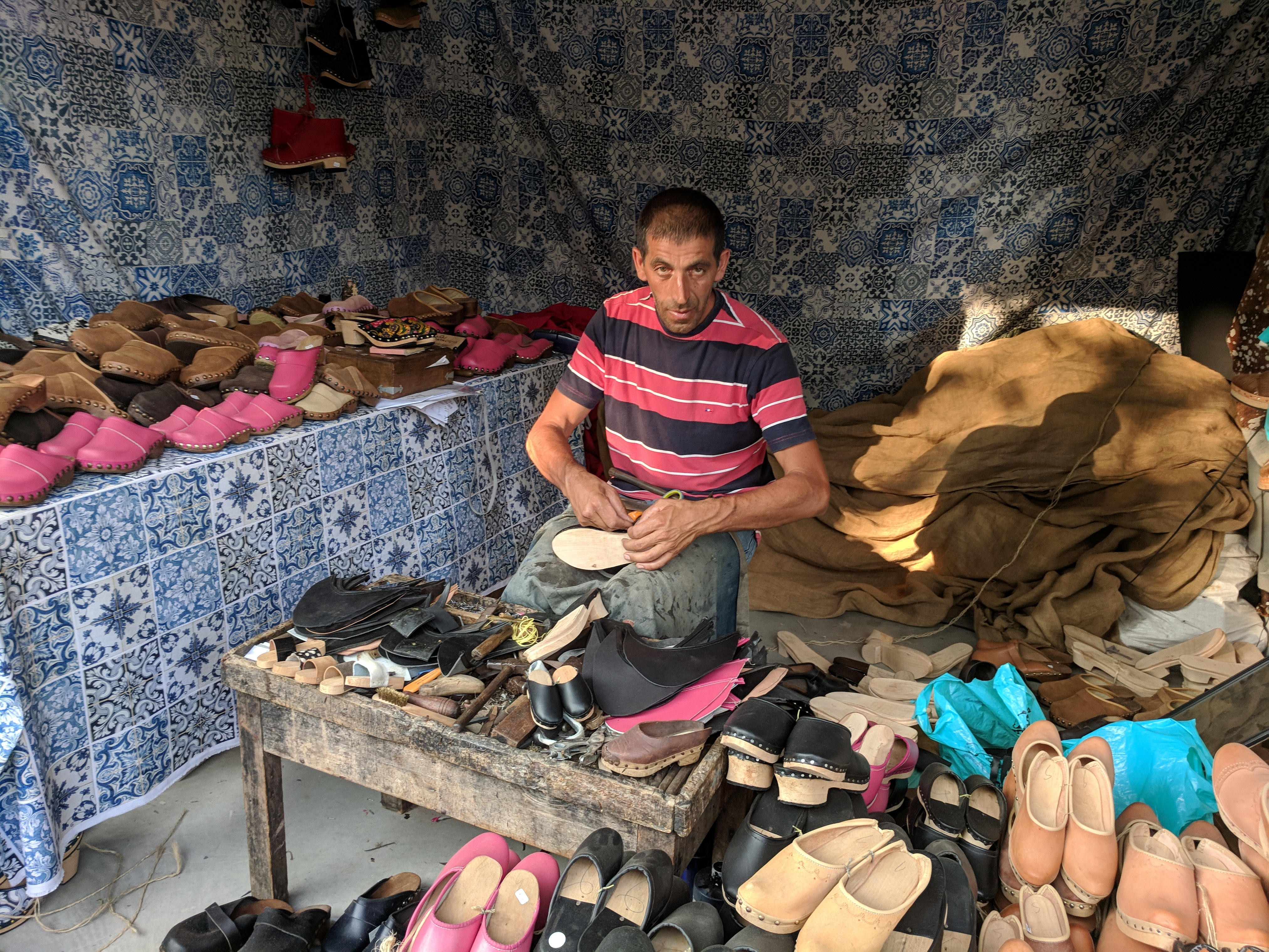 Portugal - Algarve / Fatacil (fair) in Lagoa: shoemaker