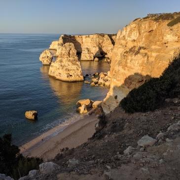Die schönsten Buchten und Strände an der Algarve in Portugal: Praia da Marinha