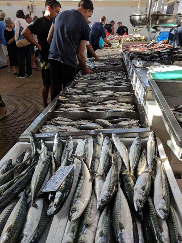 Fischmarkt in Armacao de Pera / Algarve / Portugal